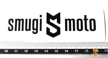 Naklejka z logo SMUGI-MOTO, czarna, 90x27mm - ploter